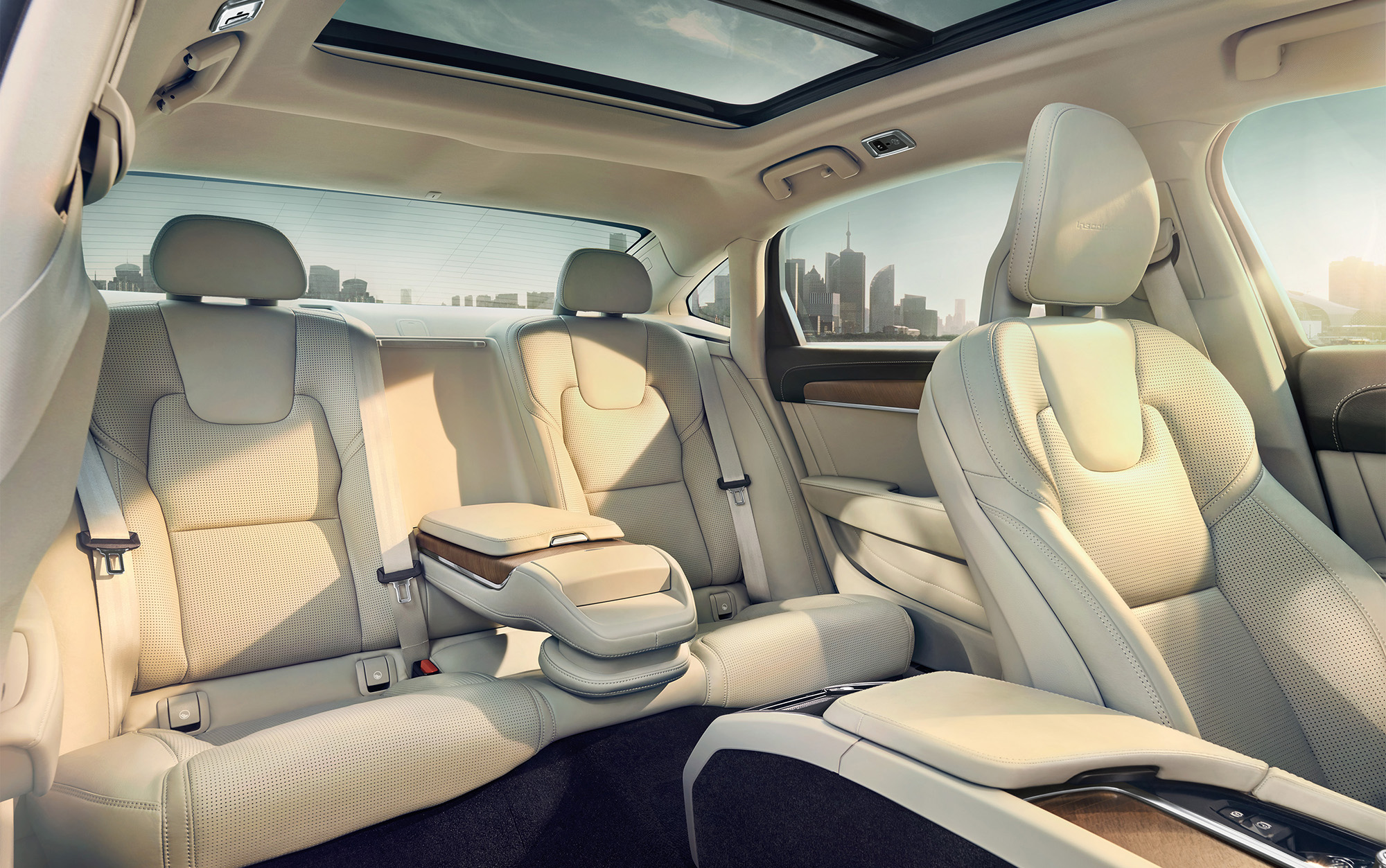 Volvo_S90_Interior_Pass_Rear_website